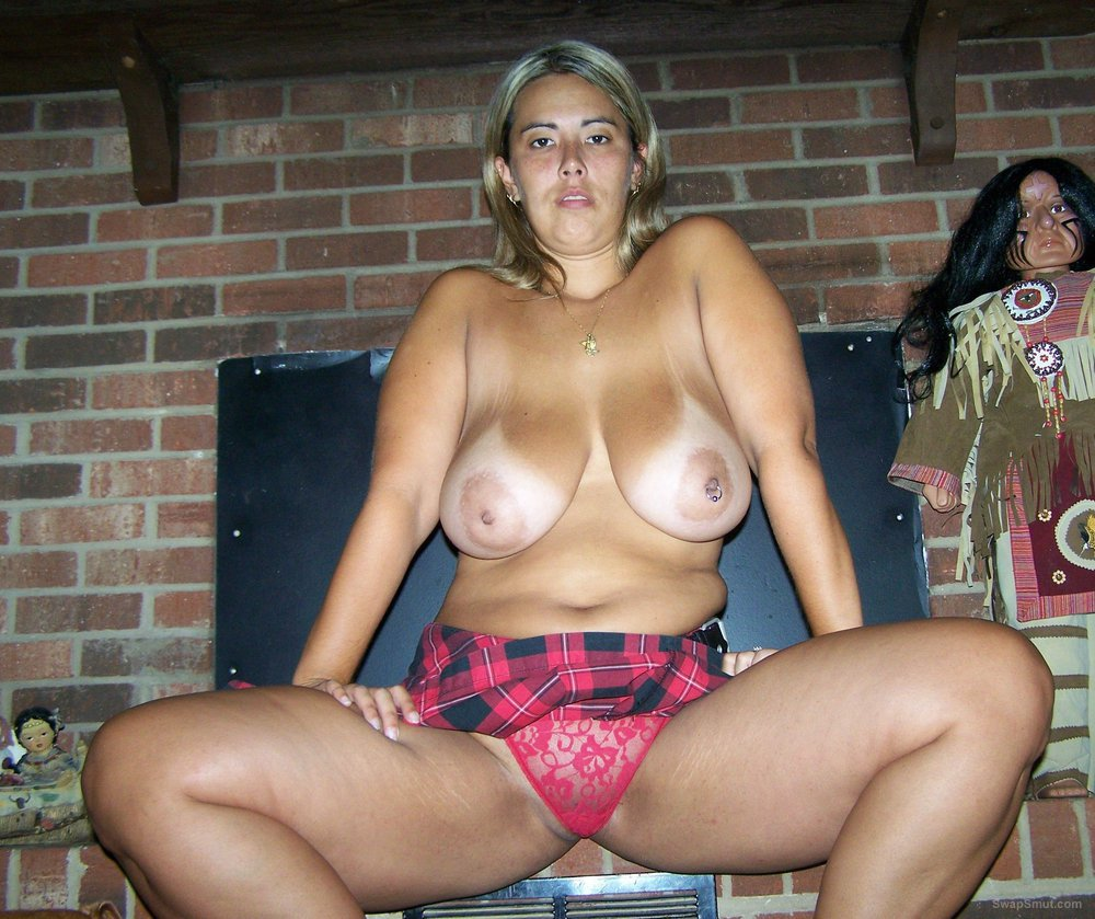Big tits on this biker slut showing off her sexy body revealing
