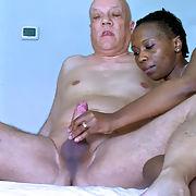 Pornstar Ana Loxx recent public porn action