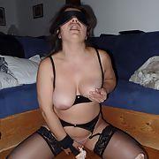 A hot wife blindfolded masturbates