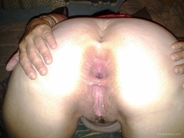 I love anal here is my ass hole ready for a fat cock to use