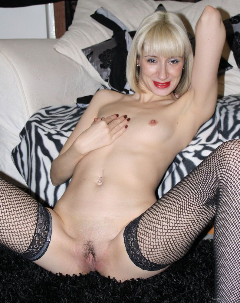 Platinum blonde swinger wife sex pics with husband arranged date