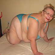 Mature homemade BBW sexy blue bra and panties showing off
