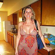 SLUT MOM SEX AND NUDE PICS