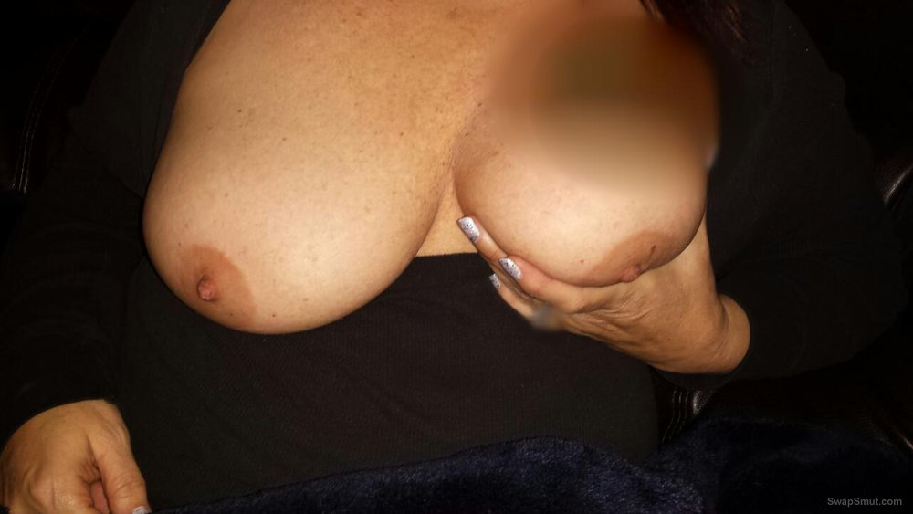 Mature BBW wife shows off freshly shaved pussy