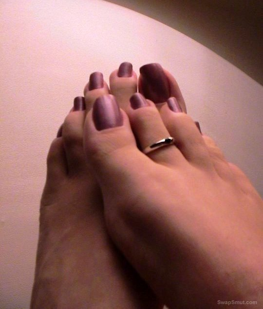 sexy painted toes splattered with cum