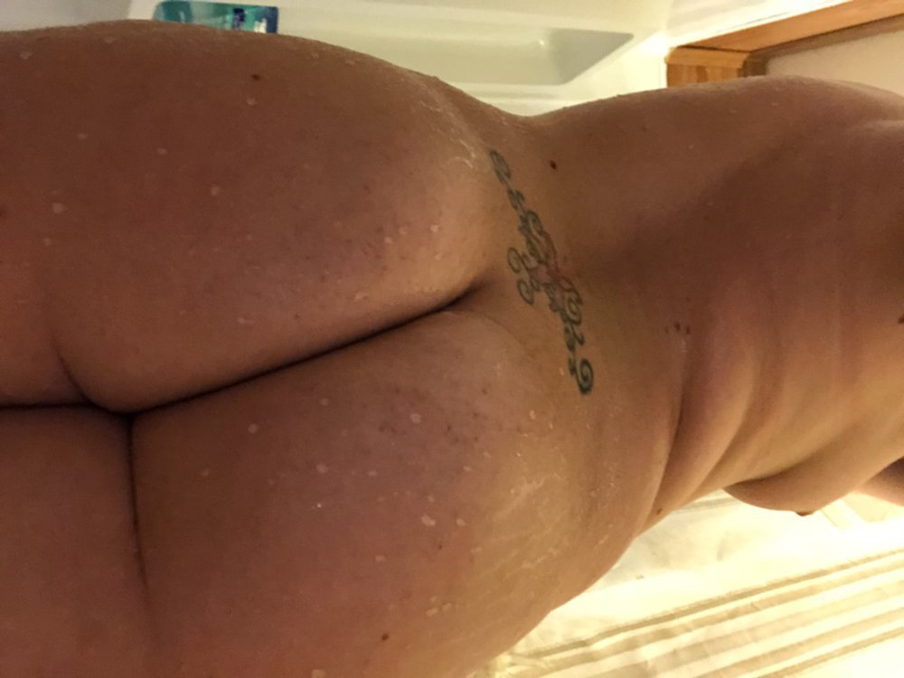 Fucking Big Booty Midget