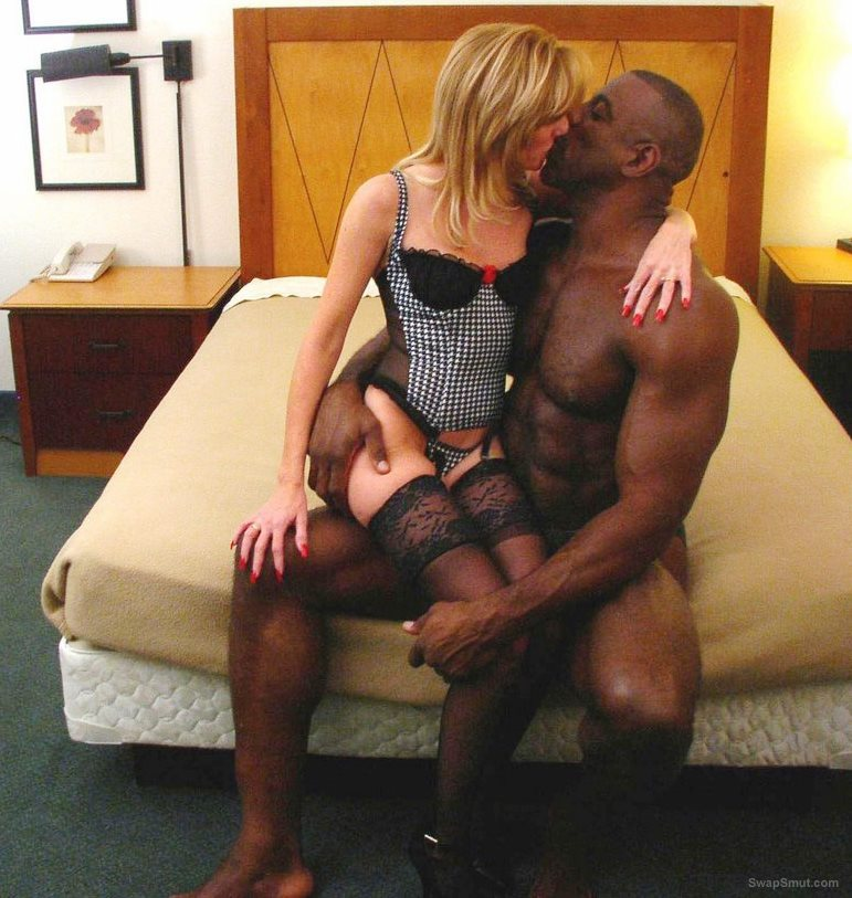 Stunning wife and her muscled black lover gives hubby a treat