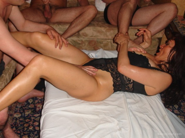 CARMINA fucked by a few guys