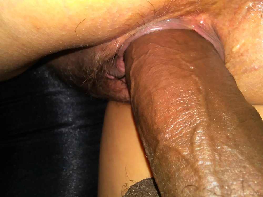 Wet Pussy Close Up Dildo
