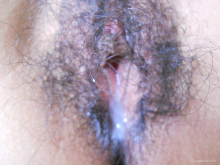 Chinese hairy pussy and arse close up shots