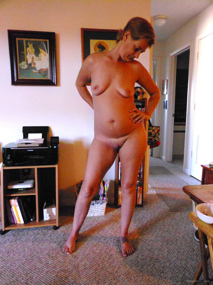 My hot, sexy Cyber Wife Lisa's GORGEOUS body naked at home