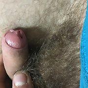 Plusieur photo de ma queue hihi elle est petite mais elle est fonctionnel