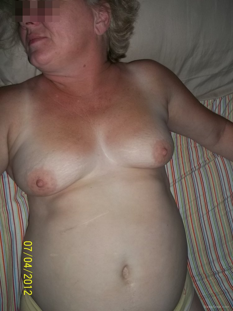 Big titted mature wife playing and getting ready for some cock action
