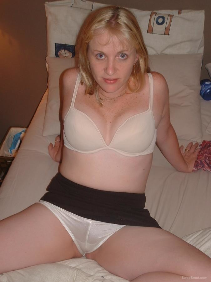 Sexy Jane a hot mum from the UK loves to show off part 6