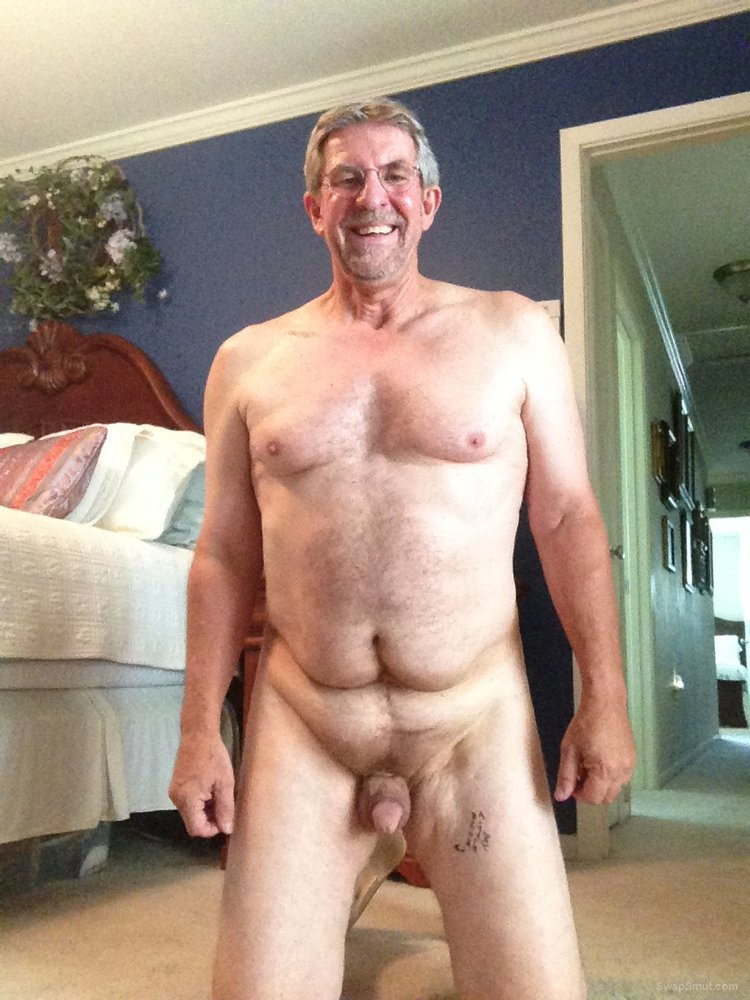 MS man who loves to play naked with other naked men