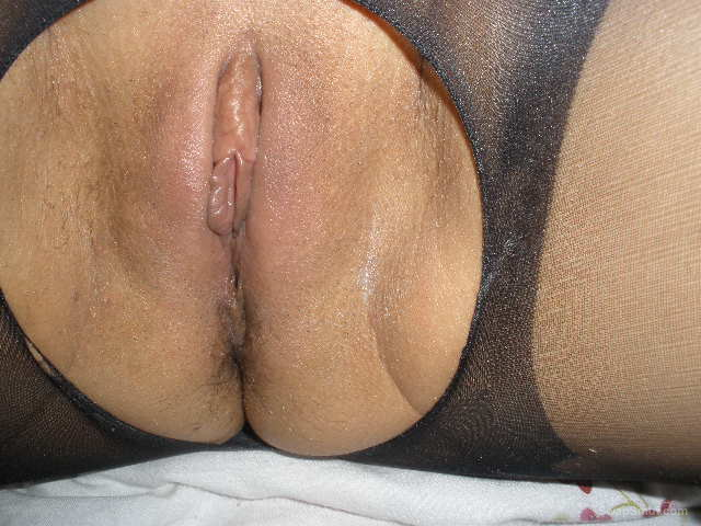 MY 50 YEAR OLD WIFE LOVE TO SHOW HER NUDE BODY TO THE WORLD