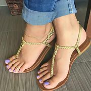 Showing off my latest pedicure