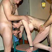 Leggy mature swinging wife BETH having some 3sum fun spit roasted