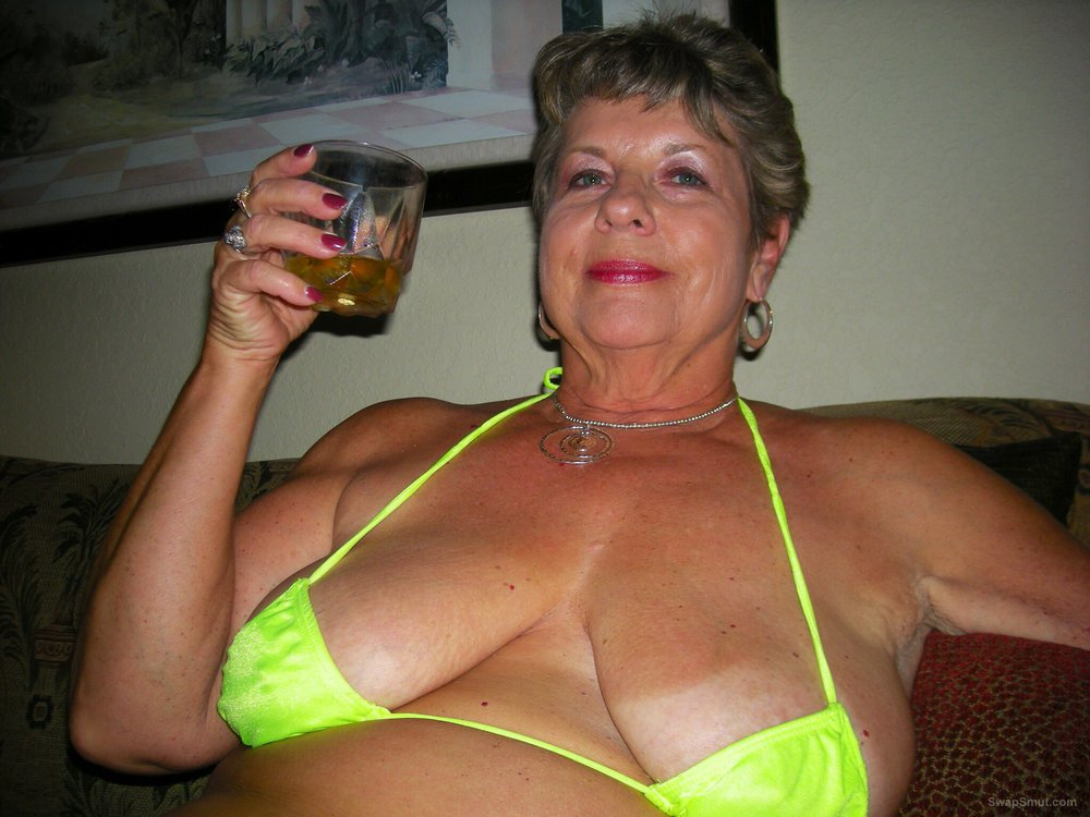 Erotic milf photos