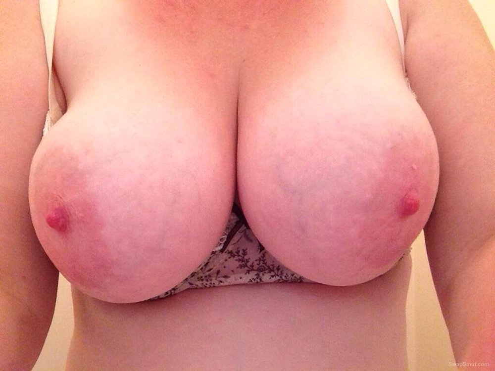 Titsout69 hot wife first time flash on this site