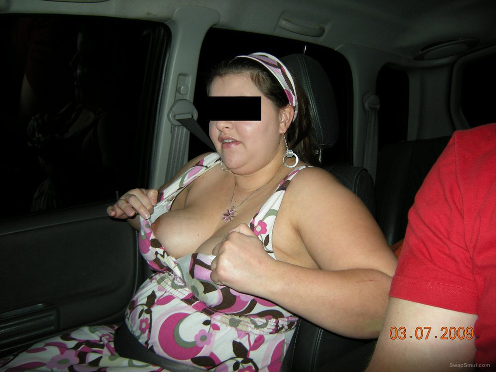 Fun time out with my wonderful BBW wife flashing boobs in public