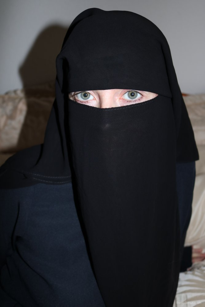 UK Wife Burqa Niqab In Stockings and Suspenders