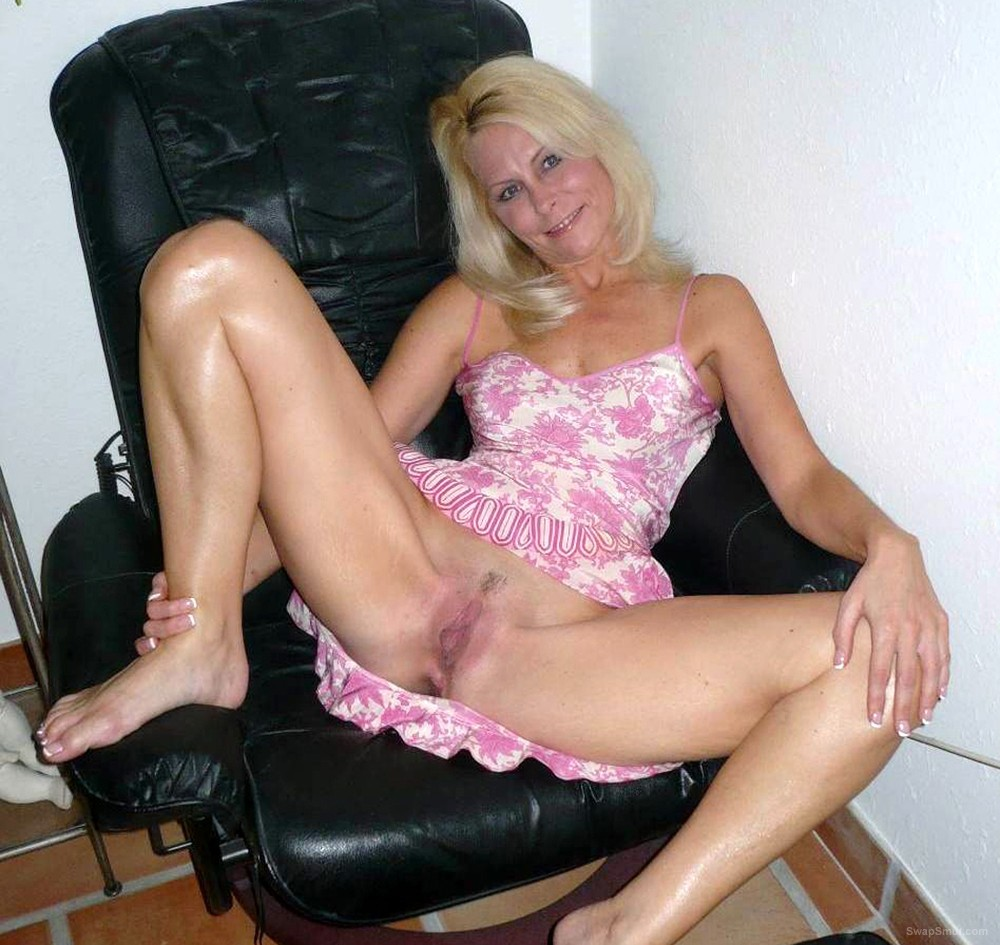 Mom lovely legs blonde milf licks and sucks balls before rom