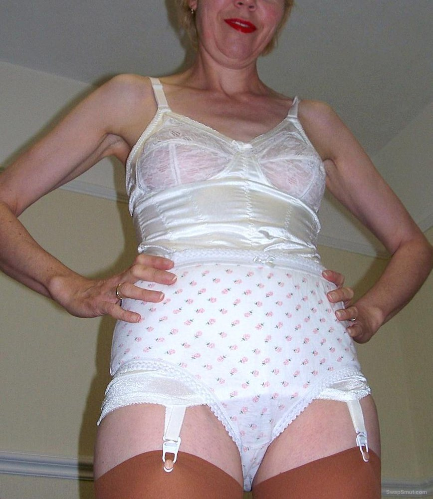 A Cheap and Nasty UK Granny Slut Exposed 001