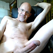 Getting the day started by sucking cock