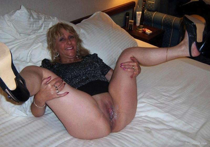 Mature ladies getting filled black
