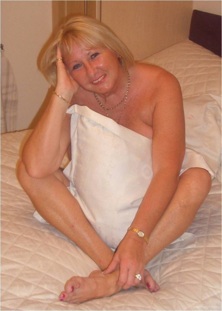 Sexy blonde wife looking for hard core action with gangs of guys