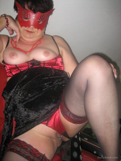 ich zeige euch neue bilder lingerie masturbating