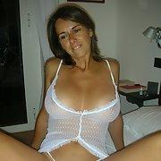 Big tit milf showing off her assets