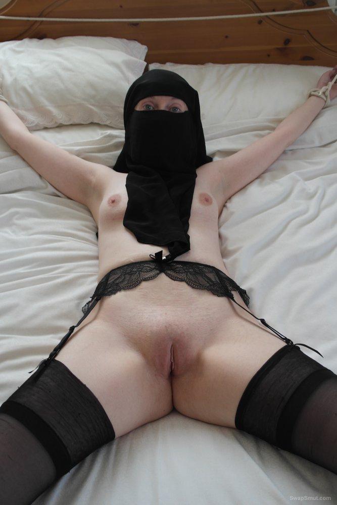 Bondage in stockings and Niqab