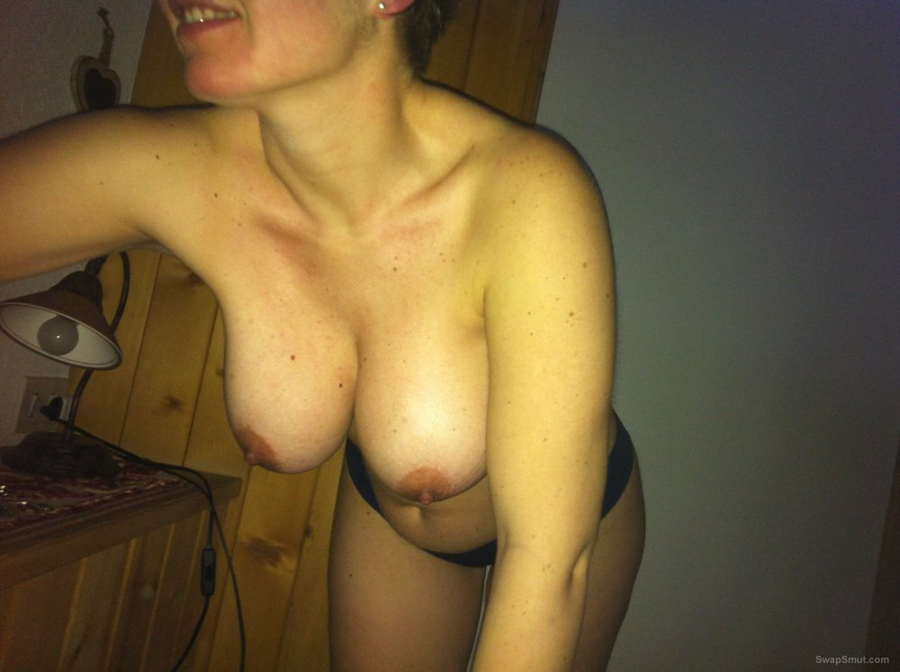 Vally pics of mine let me know if you like me naked woman in bath