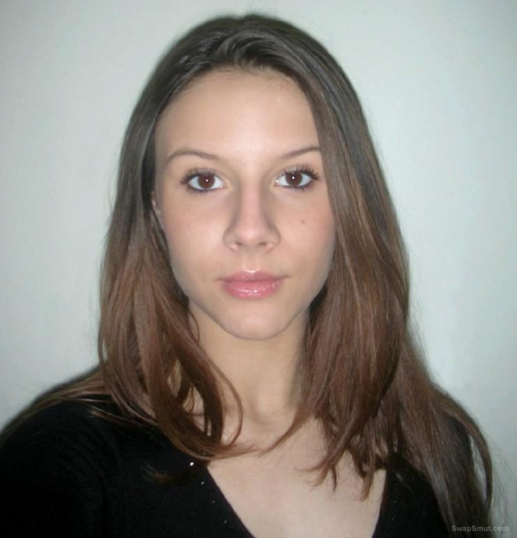 Lovely amateur brunette exposed her body part 1
