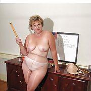 Debra, New York redhead, single MILF, Loves to be seen by men